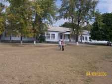 Наша школа. Парадный вход. 2006г.